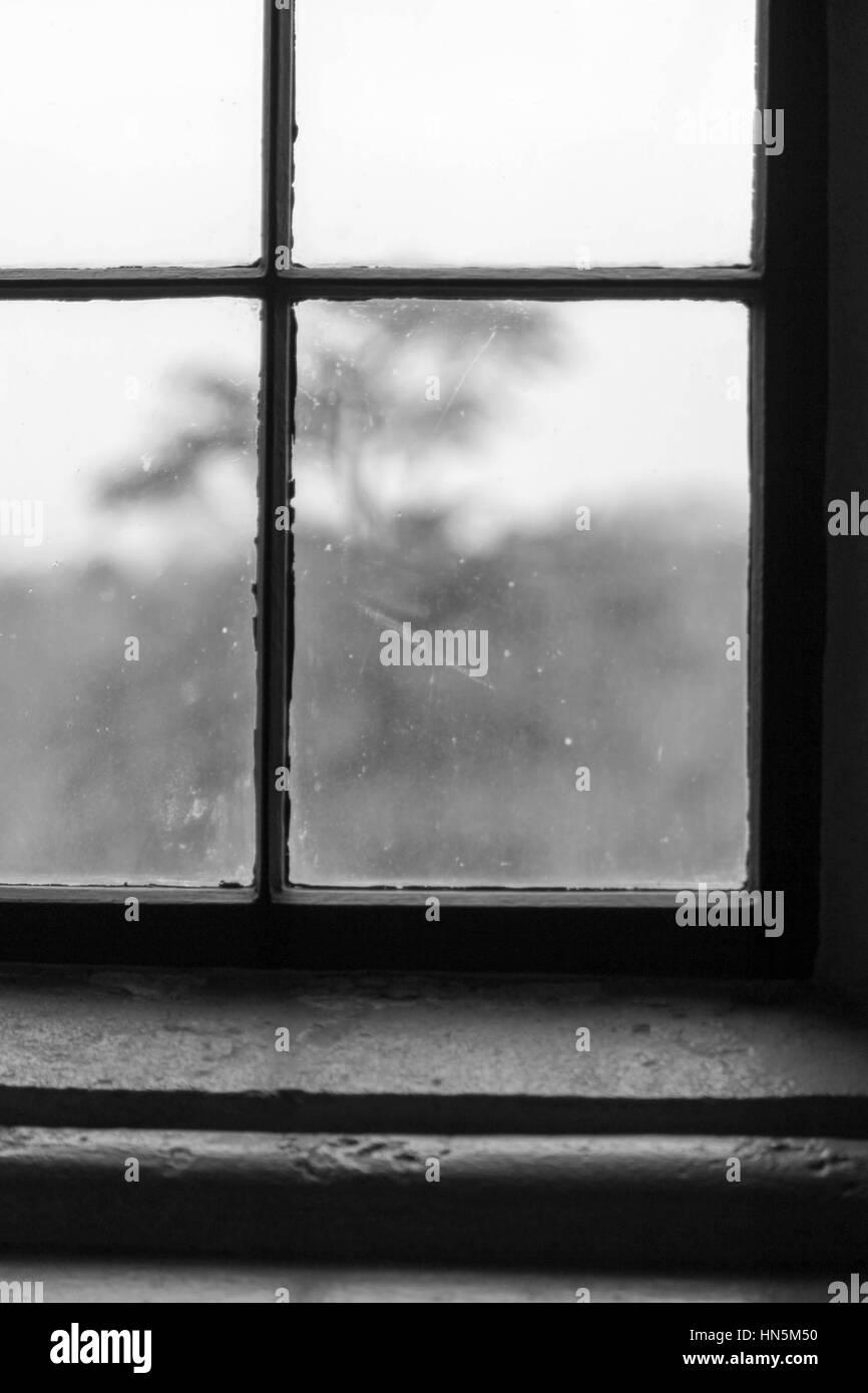 Old window frame inside stockfotos old window frame - Fensterrahmen innen ...