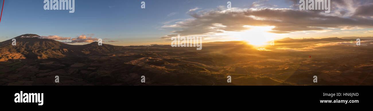 Panoramablick vom Heißluftballon des Tequila-Tals auf Jalisco Mexiko Stockbild