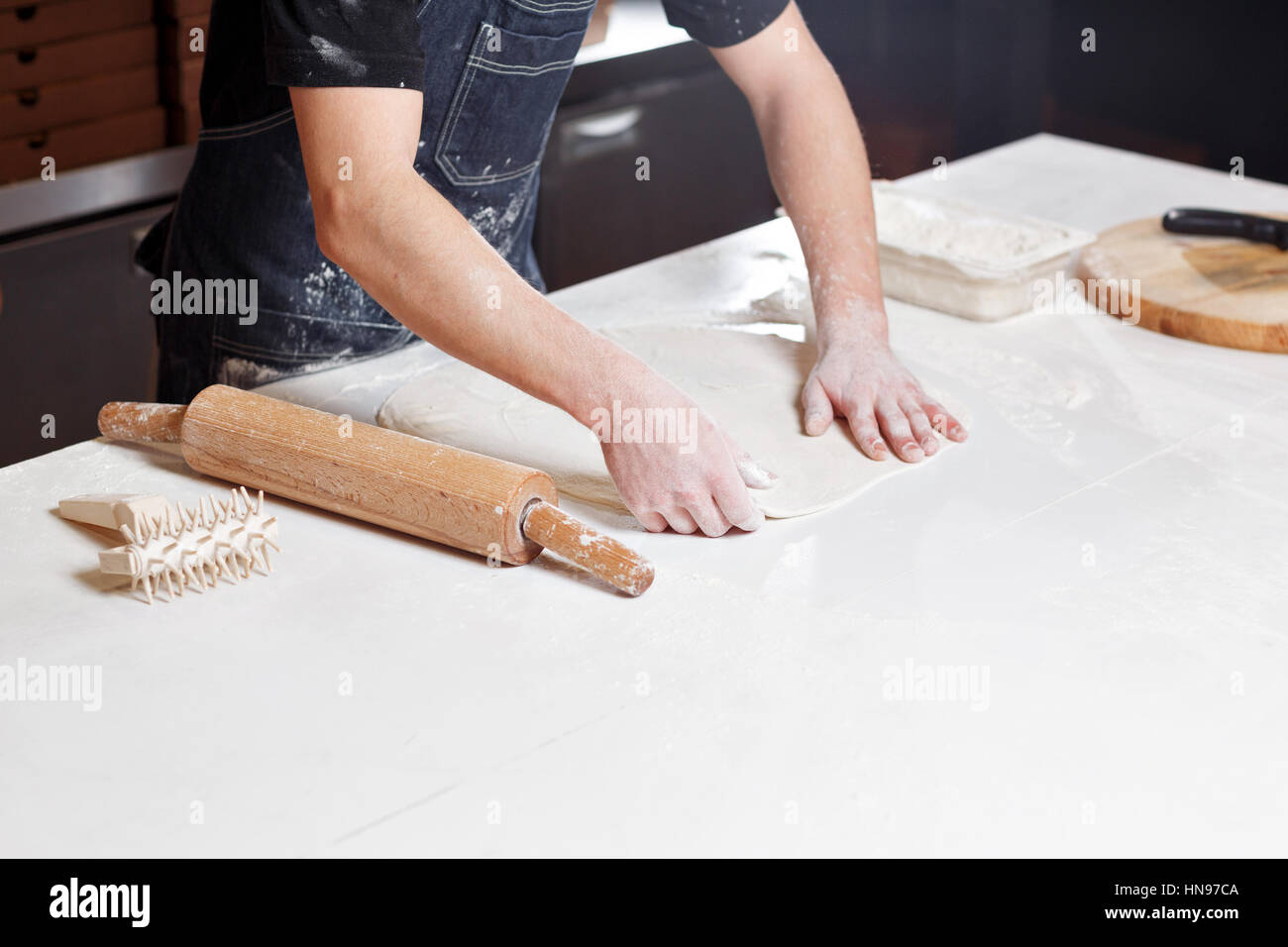 Pizza Cut Out Stockfotos & Pizza Cut Out Bilder - Seite 2 - Alamy