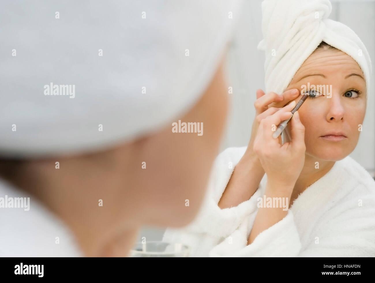 Frau mit eyeliner Stockbild