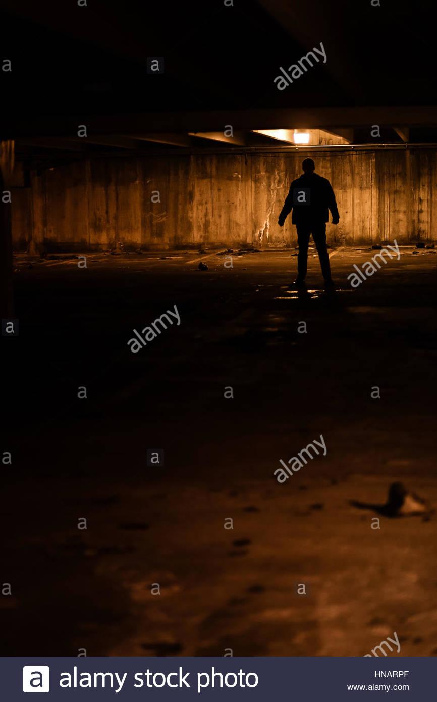 Silhouette der geheimnisvolle Mann Stockbild