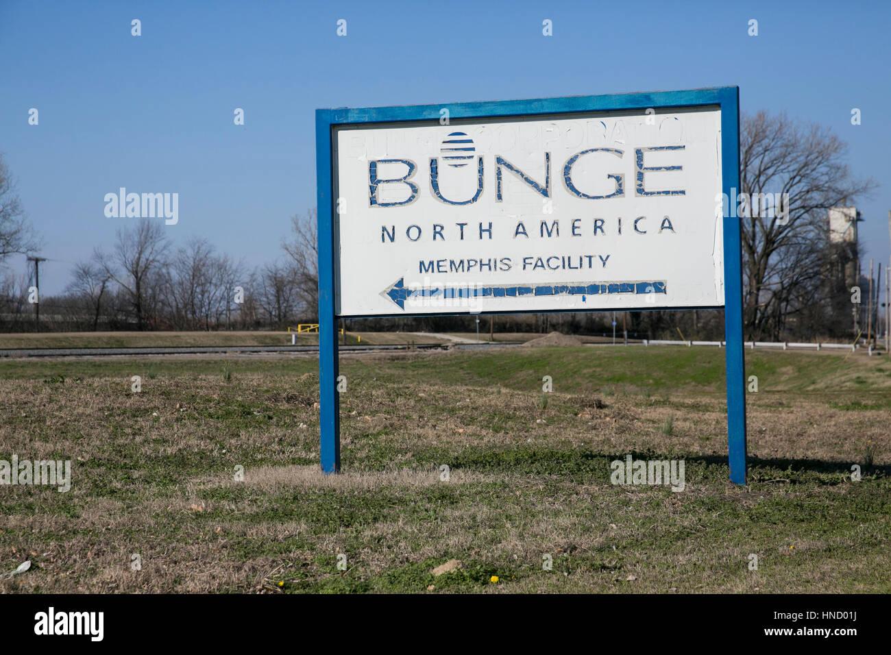 Ein Logo Zeichen außerhalb einer Einrichtung von Bunge Limited in Memphis, Tennessee am 5. Februar 2017 besetzt. Stockbild