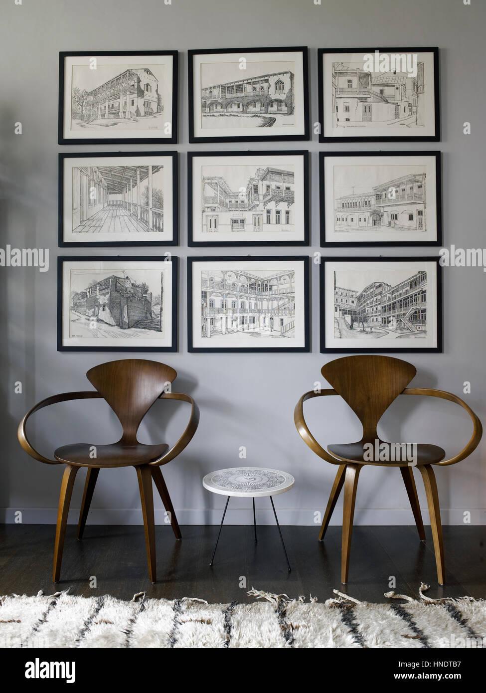 Innen ein elegantes zeitgenössischen Wohnzimmer mit zwei ...