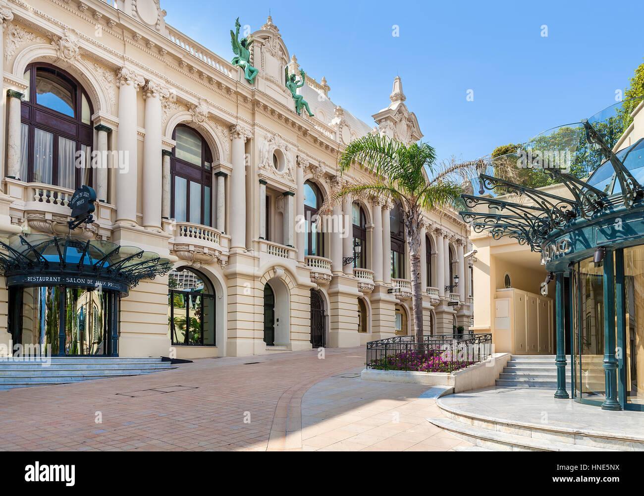 Café des arts salon de provence le cafe des arts salon de