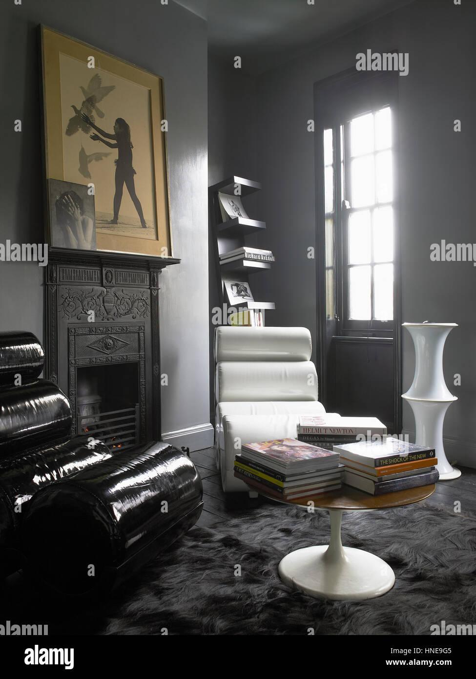 Interieur eines modernen Hauses: Wohnzimmer mit Vintage Möbel ...