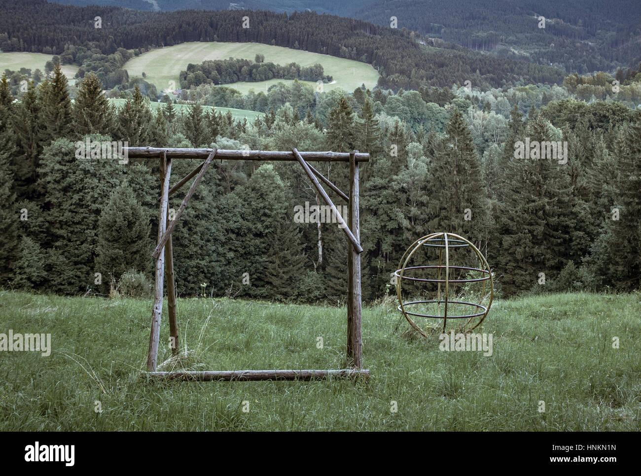 Verlassenen Spielplatz, Einsamkeit und nostalgie Stockbild