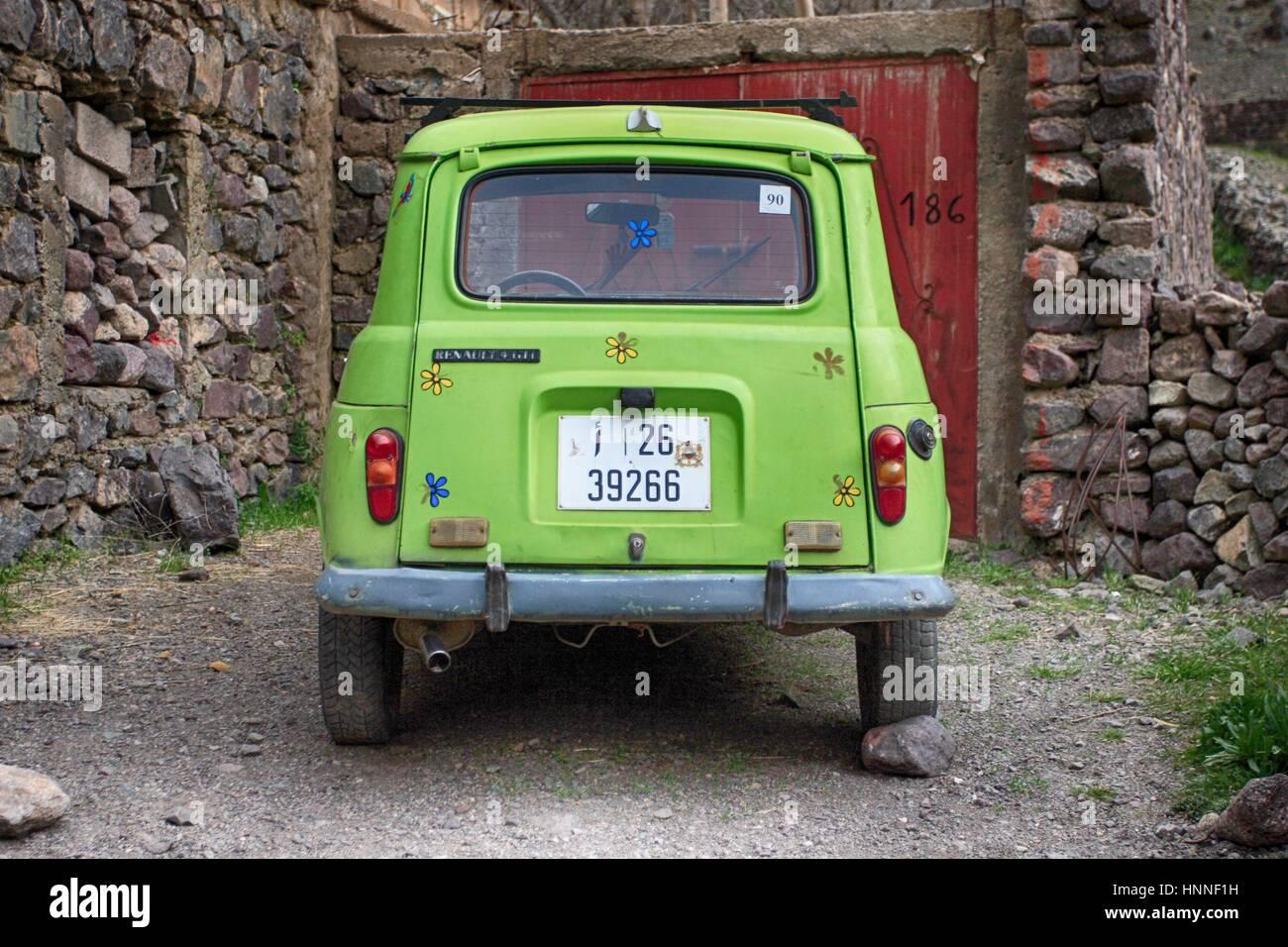 Happy Green Car Renault 4 in Marokko Stockbild