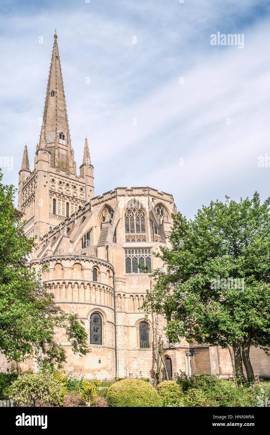 Norwich Cathedral ist eine anglikanische Kathedrale in Norwich, Norfolk, England, gewidmet der Heiligen und ungeteilten Stockbild