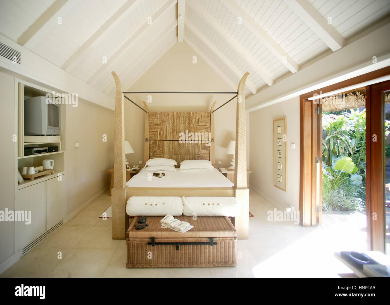 Luxus himmelbetten  Oberoi Luxus Hotel, Luxus-Bungalow mit Pool, Himmelbett, MUS ...