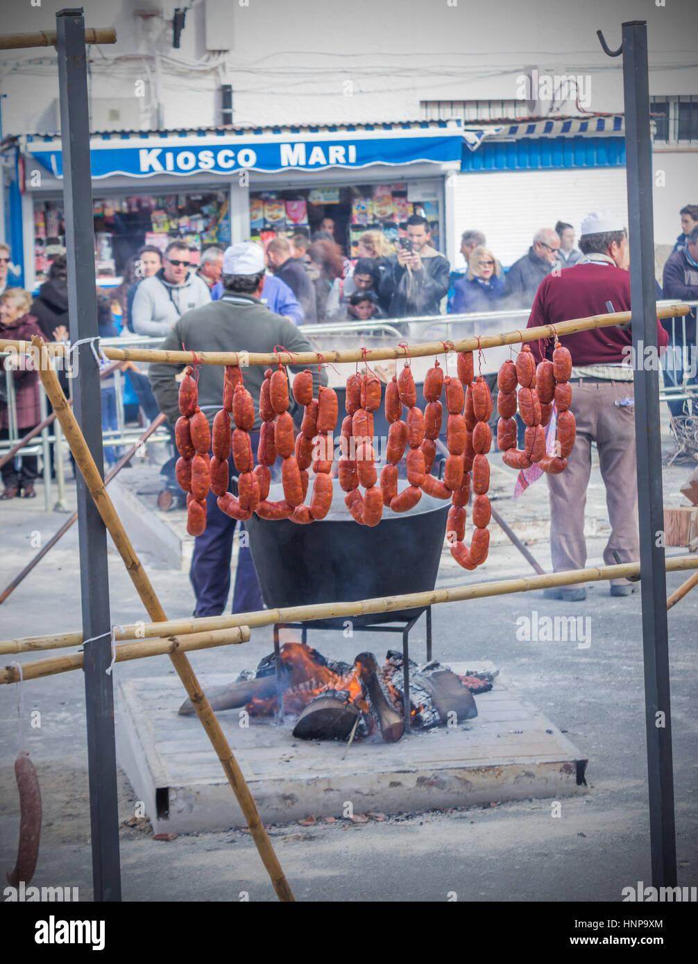 Ardales, Provinz Malaga, Andalusien, Spanien. Die jährliche Dia De La Matanza oder Festival der Schlachtung. Stockbild