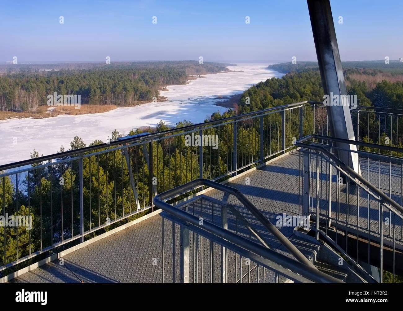 Senftenberger sehen Aussichtsturm Im Winter - Senftenberger See im Winter Aussichtsturm, Lausitzer Seenland Stockbild