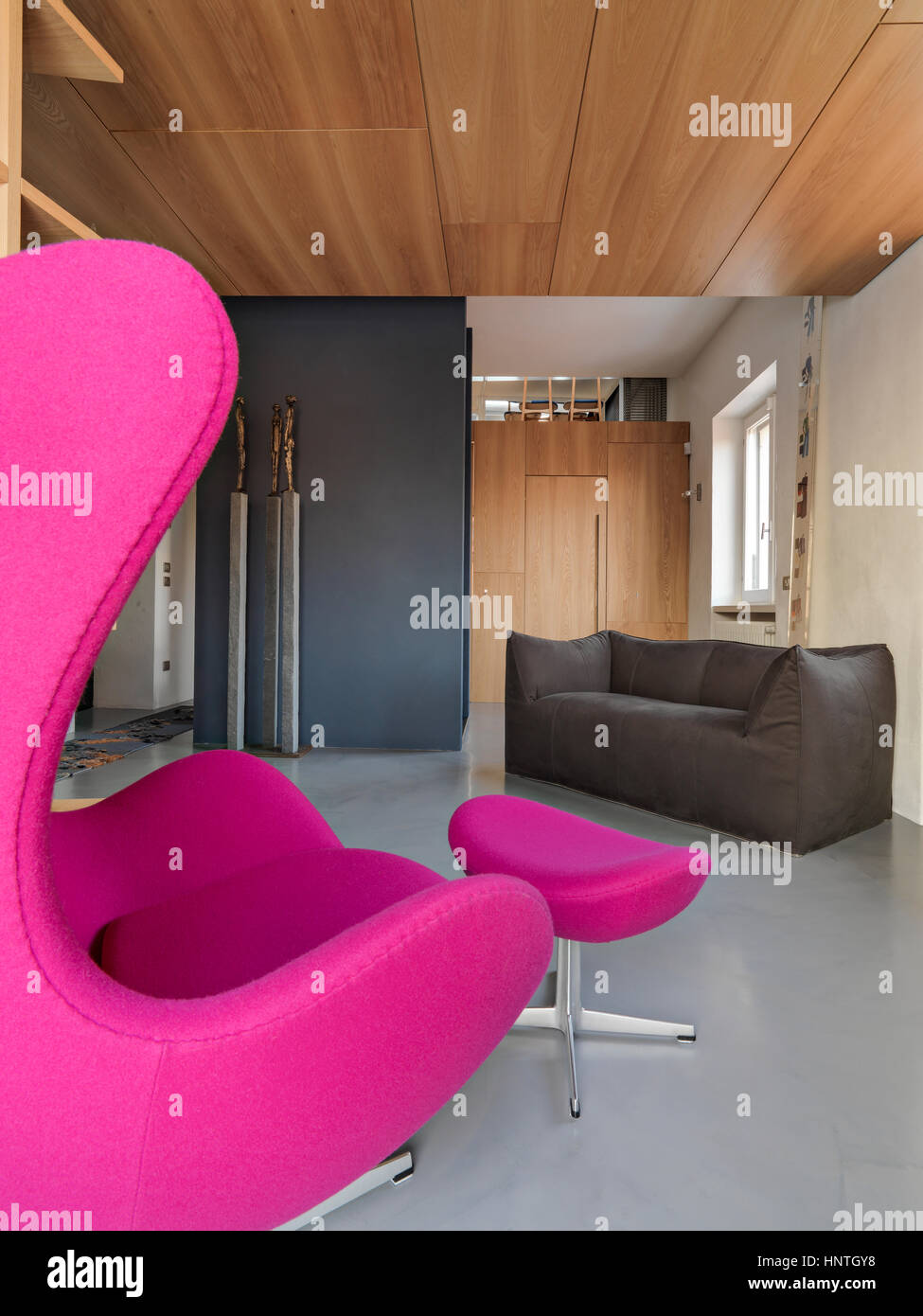 Vordergrund Der Lila Sofa Mit Blick Auf Auf Dem Sofa Im Modernen