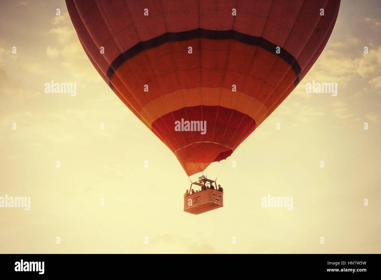 Ballon nebligen Morgen in Kappadokien. Turkei. unscharfe Bilder Stockbild