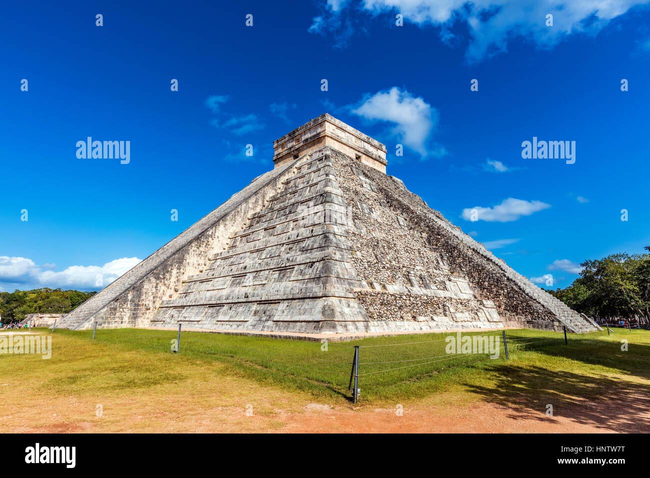 Stock Foto - Tempel von Kukulcán in Chichén Itzá, Mexiko Stockbild