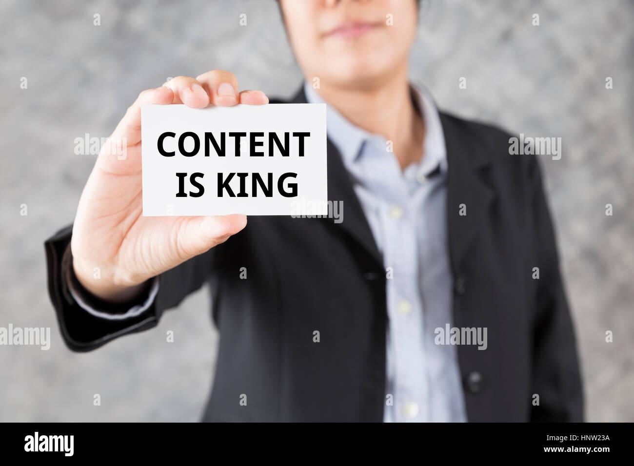 Geschäftsmann Mit Visitenkarten Mit Word Inhalt Ist König