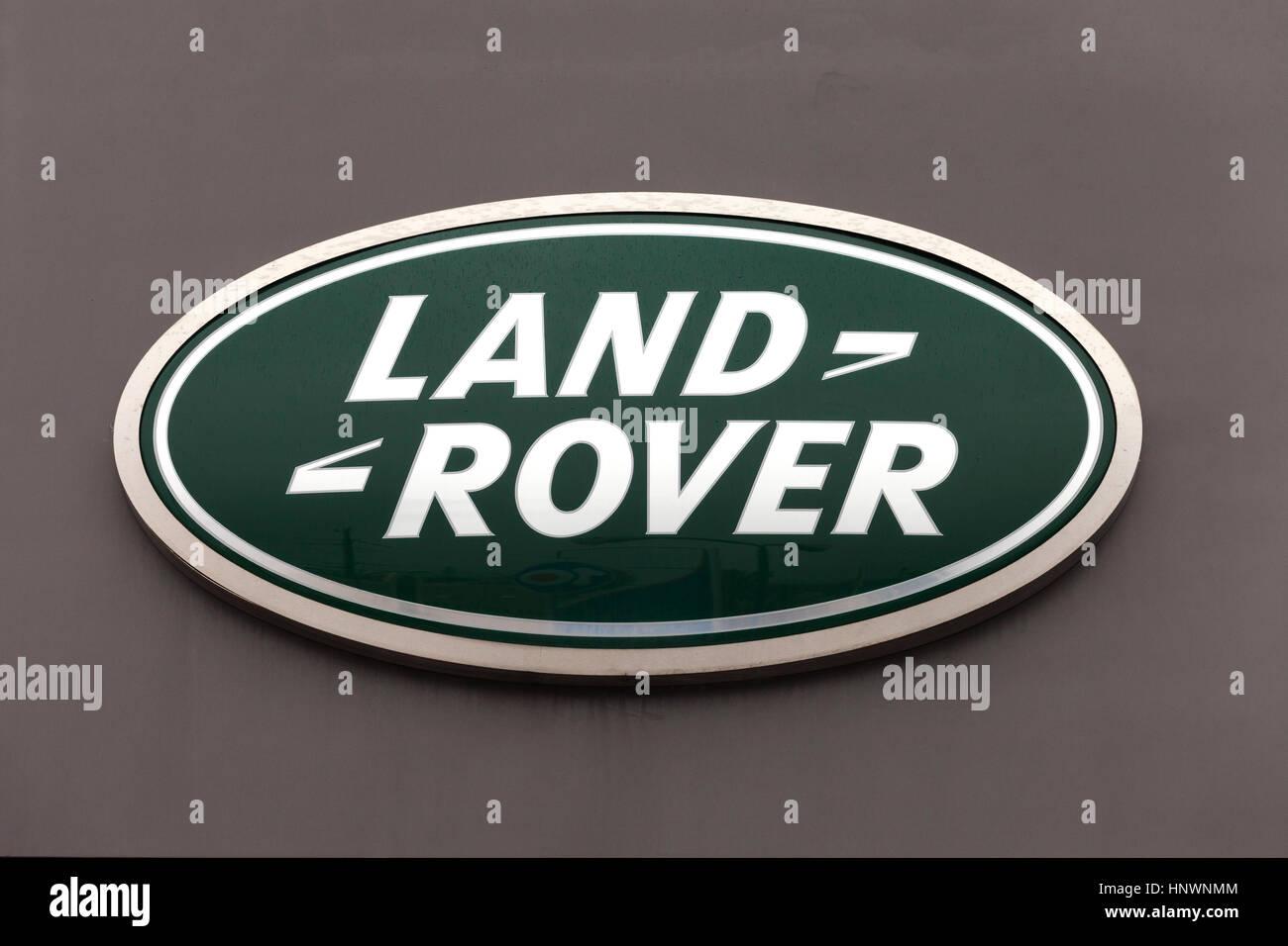 land rover schild land rover ist eine automarke die. Black Bedroom Furniture Sets. Home Design Ideas