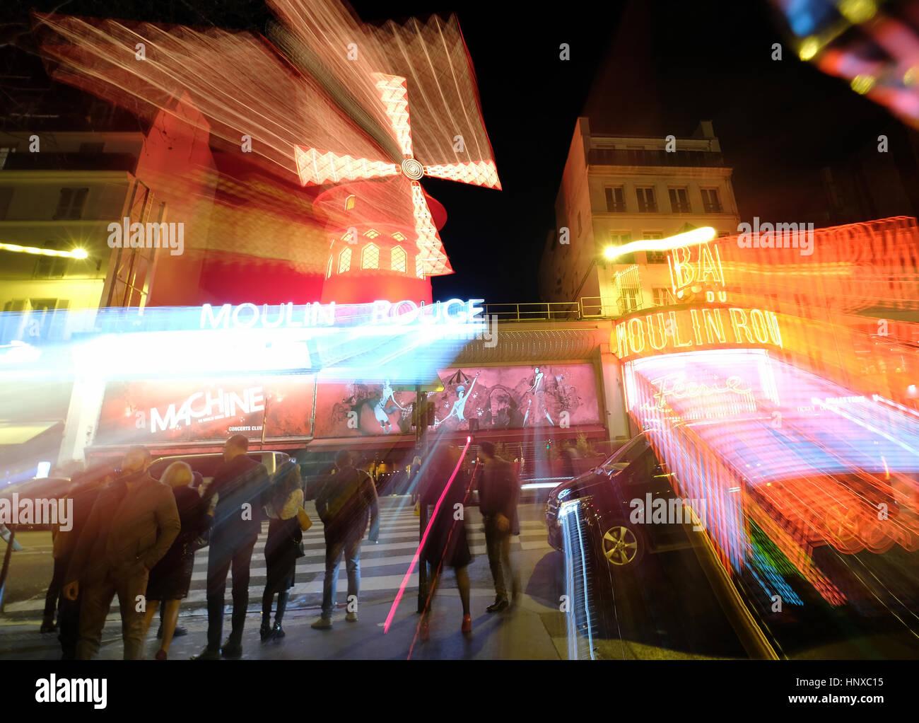 """Moulin Rouge, Französisch für Red Mill ist ein Cabaret Club im Bereich """"Pigalle"""" von Paris, Stockbild"""