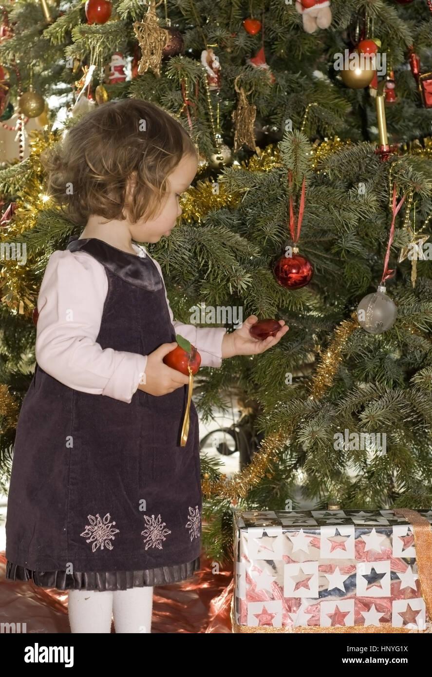 Fotos vor dem weihnachtsbaum