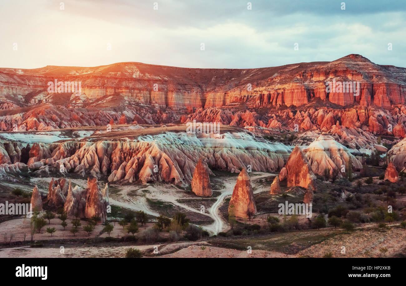 Panorama der einzigartigen geologischen Formationen in Kappadokien, Türkei. Stockbild