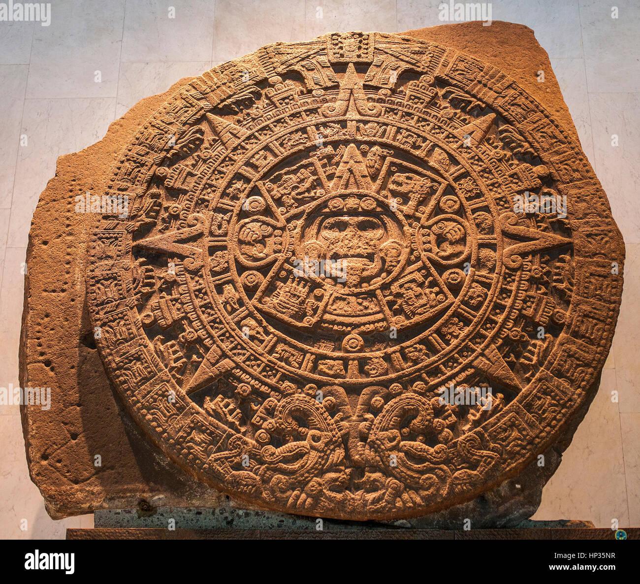 """""""Piedra del Sol"""" (Stein der Sonne), aztekische Zivilisation, Nationalmuseum für Anthropologie. Mexiko Stockbild"""