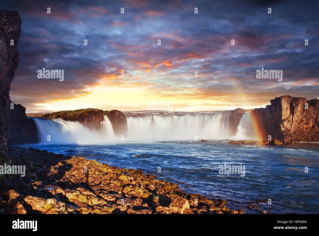 Godafoss Wasserfall bei Sonnenuntergang. Beauty-Welt. Island, Europa Stockbild