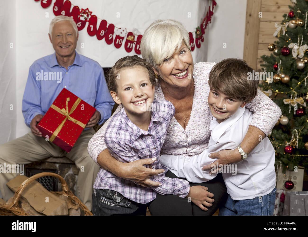 Enkelkinder Stockfotos & Enkelkinder Bilder - Alamy