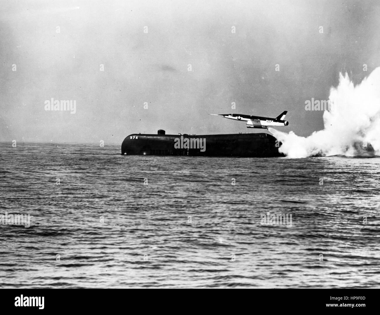 Regulus II Marschflugkörper, ins Leben gerufen vom Unterseeboot Greyback, Pazifik, 50er Jahre Stockbild