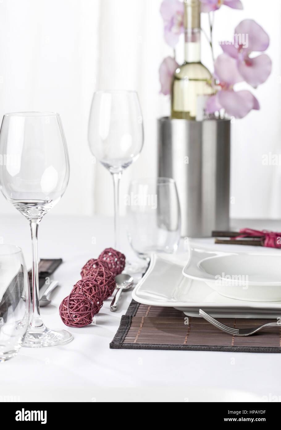 tisch stockfotos tisch bilder alamy. Black Bedroom Furniture Sets. Home Design Ideas