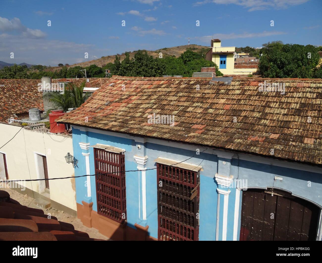 Trinidad, Kuba-Ansicht von oben, Dächer und farbenfrohen alten kolonialen Gebäuden Stockbild