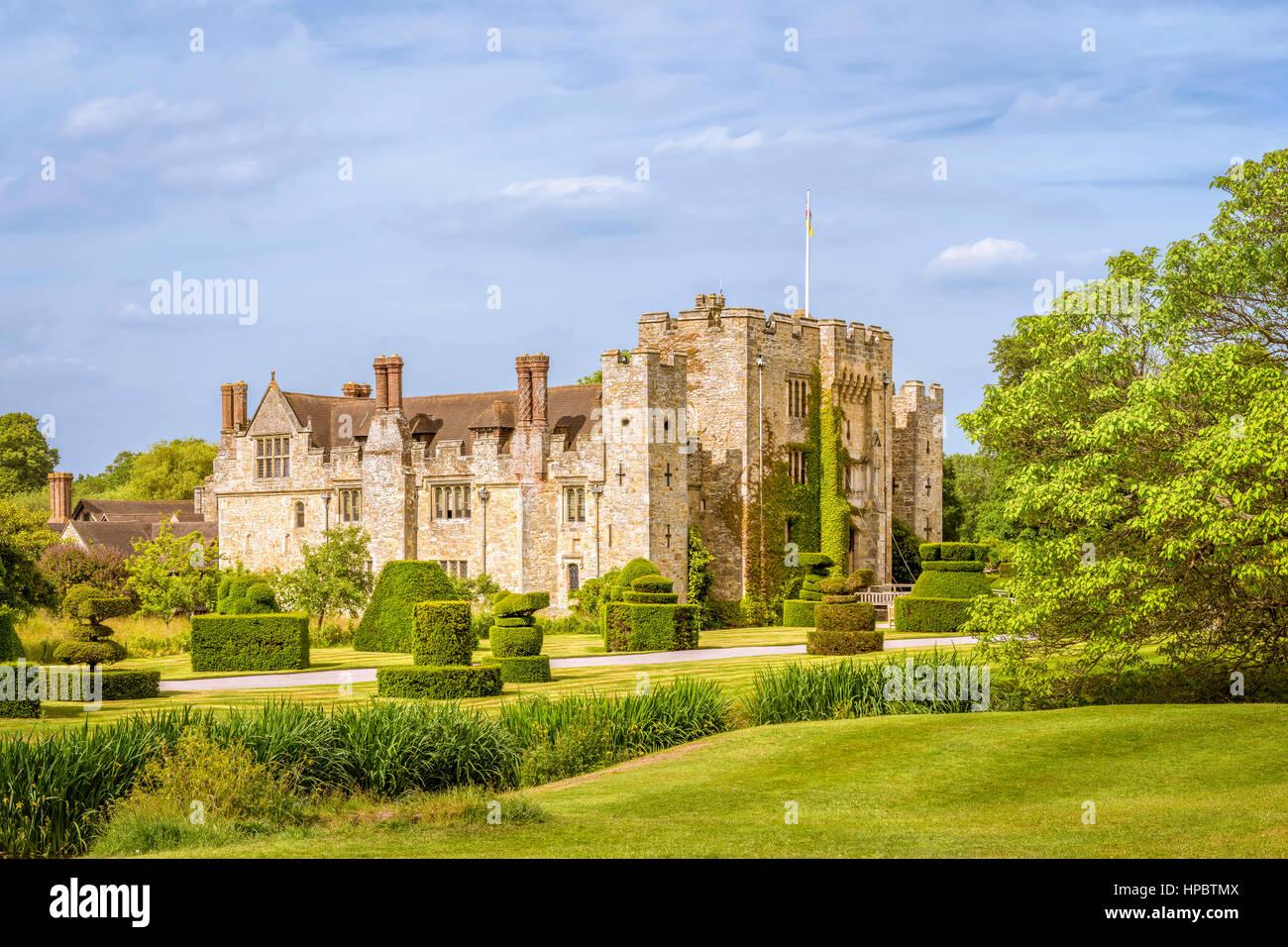 Hever, Kent, England - 18. Juni 2015. Hever Castle wie am 18. Juni 2015 zu sehen. Der älteste Teil des Schlosses Stockbild