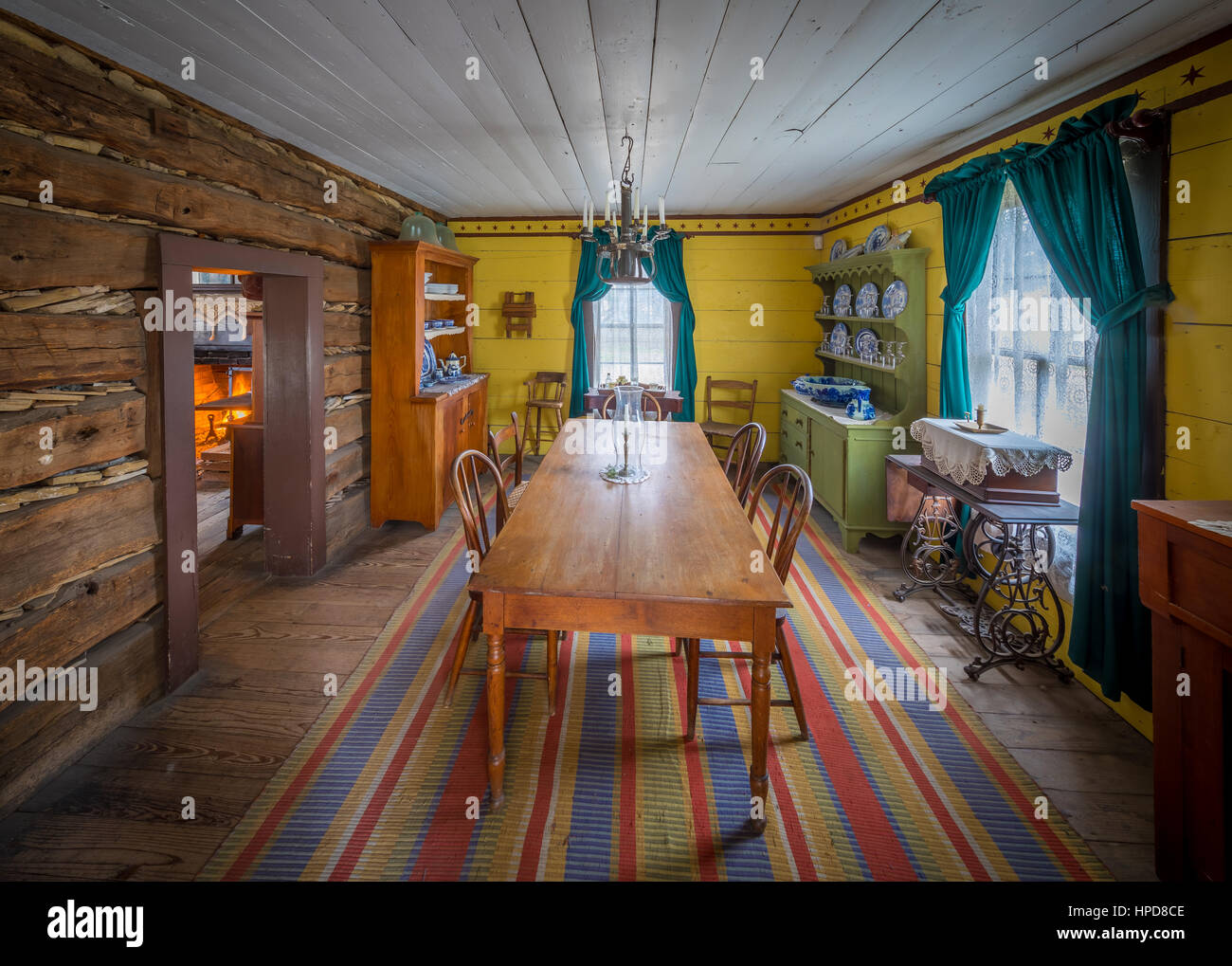 Wohnzimmer in einem Privathaus in Dallas, Texas aus der Wende des 20. Jahrhunderts Stockbild