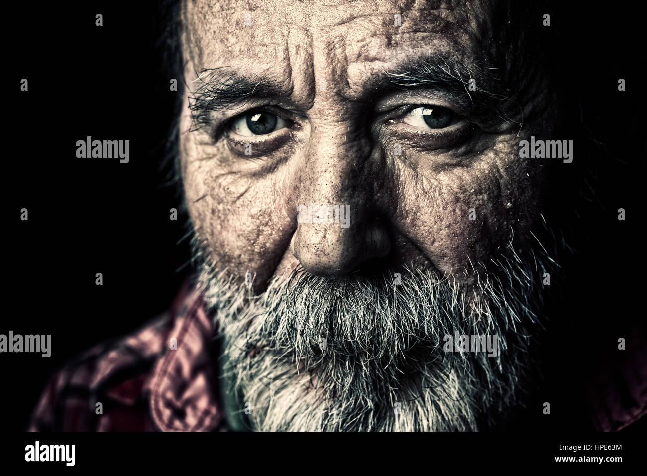Obdachloser senior Porträt Stockbild