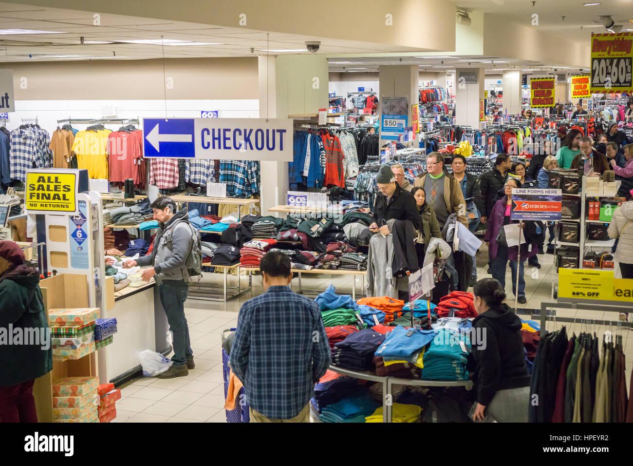 Shopping In Rego Center Mall Stockfotos & Shopping In Rego Center ...