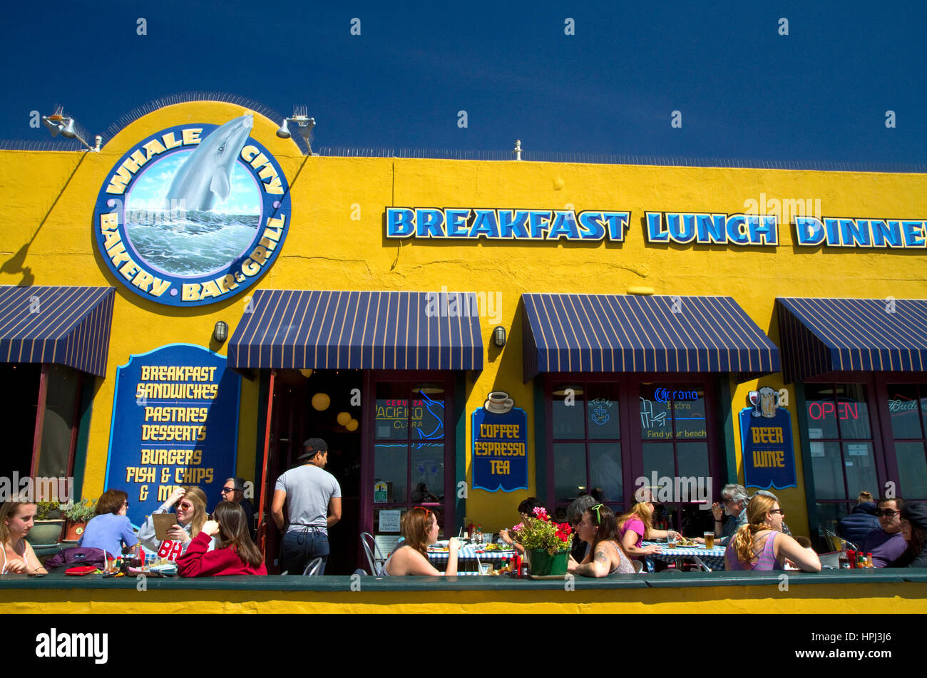 Whale City Bakery Bar and Grill befindet sich in Davenport, Kalifornien, USA. Stockfoto