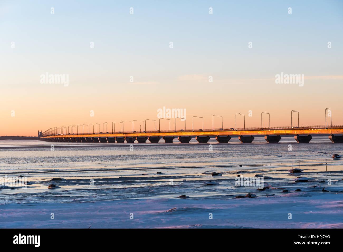 Das schwedische Wahrzeichen der Öland-Brücke, verbindet die Insel Öland mit Festland Schweden Stockbild