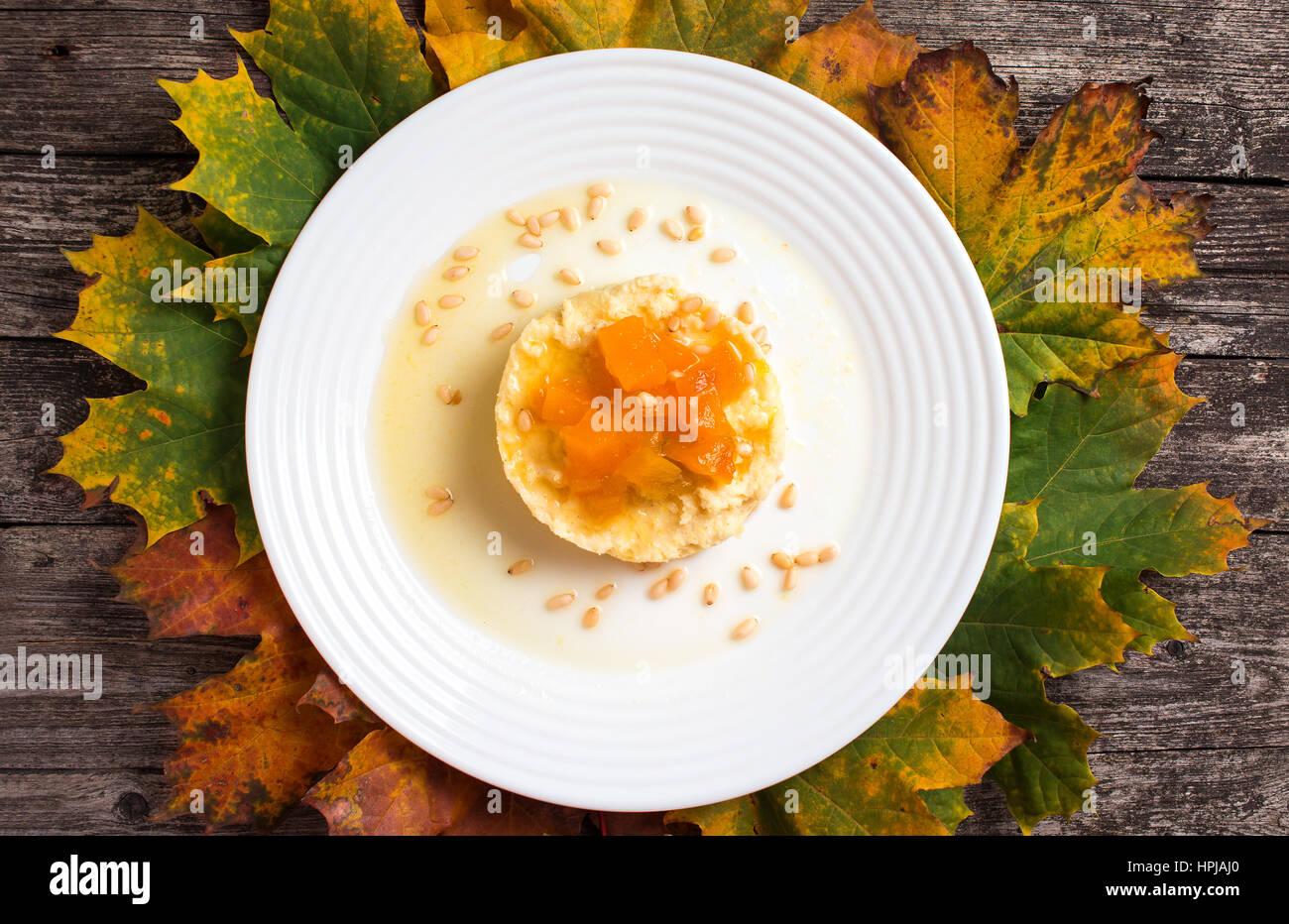 Kürbis-Hirse Brei Herbst Rezept. Russische Küche Stockfoto, Bild ...