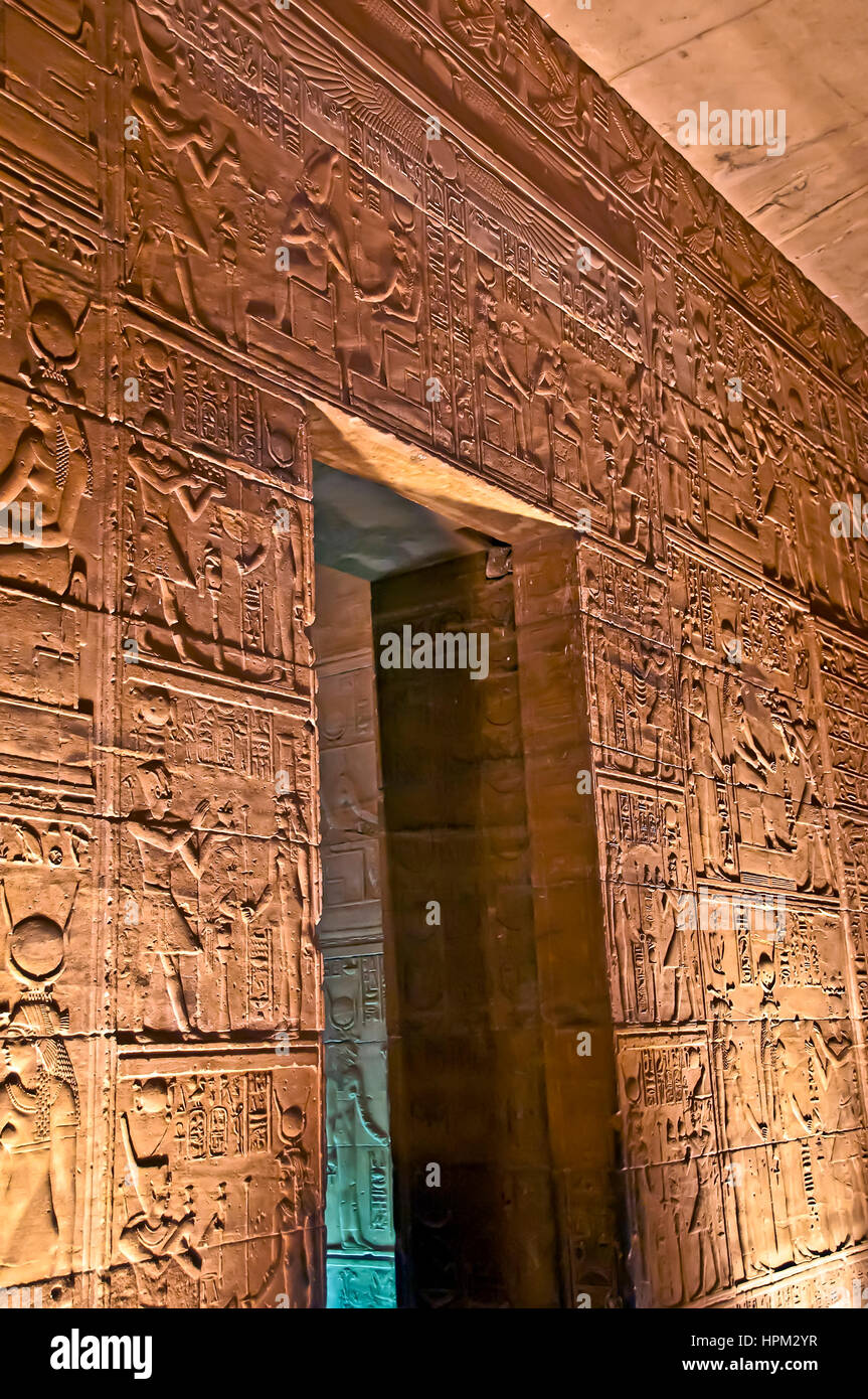 Egypt temple philae inside stockfotos egypt temple - Beleuchtete wand ...