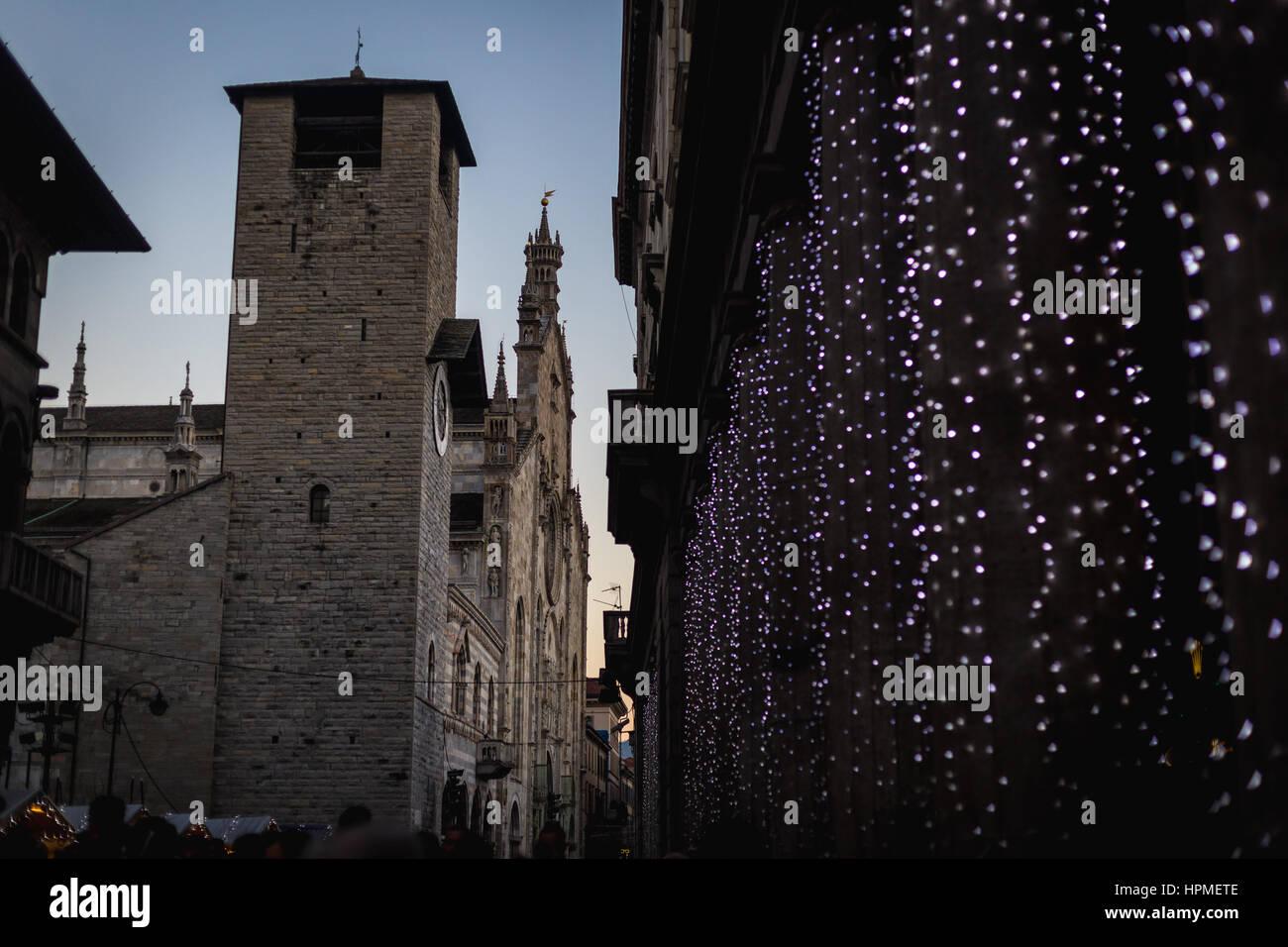 Weihnachten In Italien dom von como und weihnachten leuchten, italien stockfoto, bild