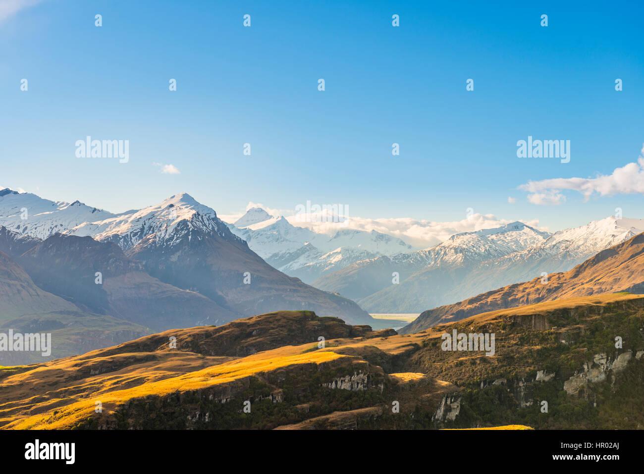 Blick auf Mount Aspiring, felsige Gipfel, Glendhu Bay, Region Otago, Südalpen, Southland, Neuseeland Stockbild