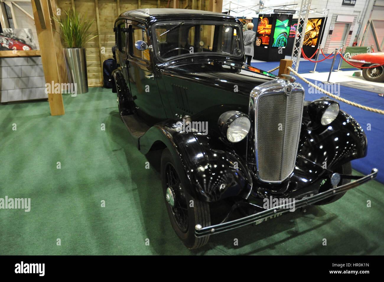 Ein Morris Morris 8 Serie 1 auf dem Display an der London Classic Car Show im ExCel London stattfindet.  Mehr als Stockbild
