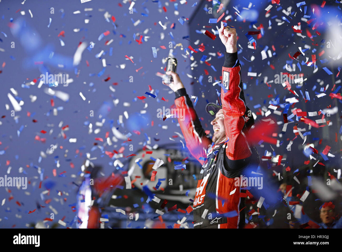 Daytona Beach, Florida, USA. 26. Februar 2017. 26. Februar 2017 - Daytona Beach, Florida, USA: Kurt Busch (41) gewinnt Stockfoto