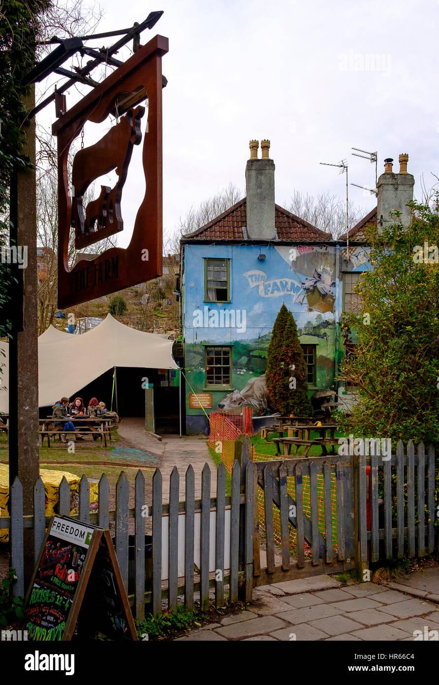 Ein beliebtes Pub in der Ashley Vale alternative Enklave von St. Werburgh, Bristol Stockbild