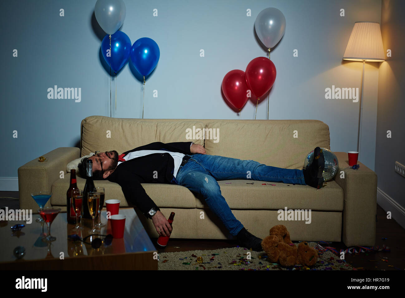 empty bottles after party stockfotos empty bottles after party bilder alamy. Black Bedroom Furniture Sets. Home Design Ideas
