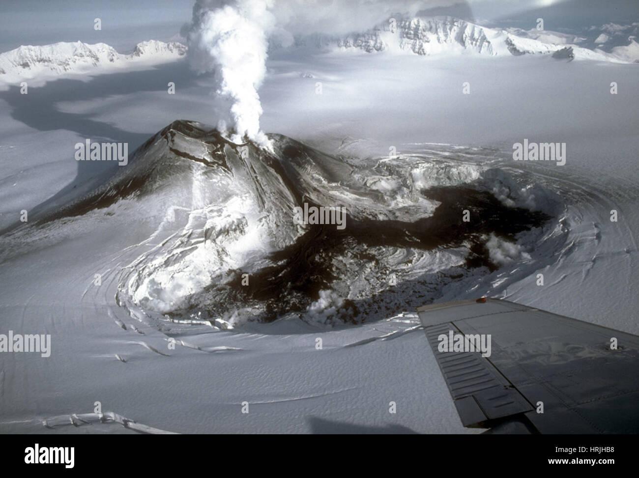 Mount Veniaminof Eruption, 1983 / 84 Stockbild