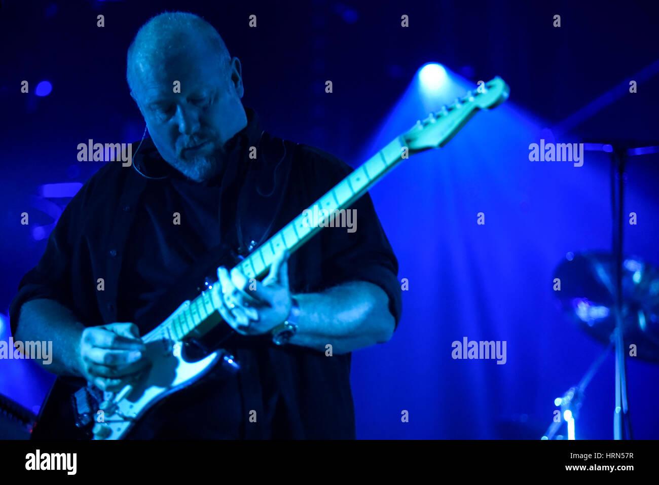 Wroclaw, Polen. 3. März 2017. Steve Mac, führt der Bassist von der Australian Pink Floyd während die visuelle Einstellung, Stockfoto