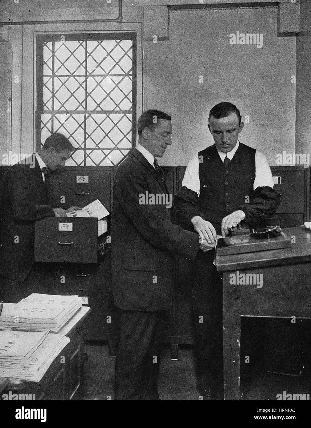 Der Finger Print Kursleiter, 1940 Stockbild