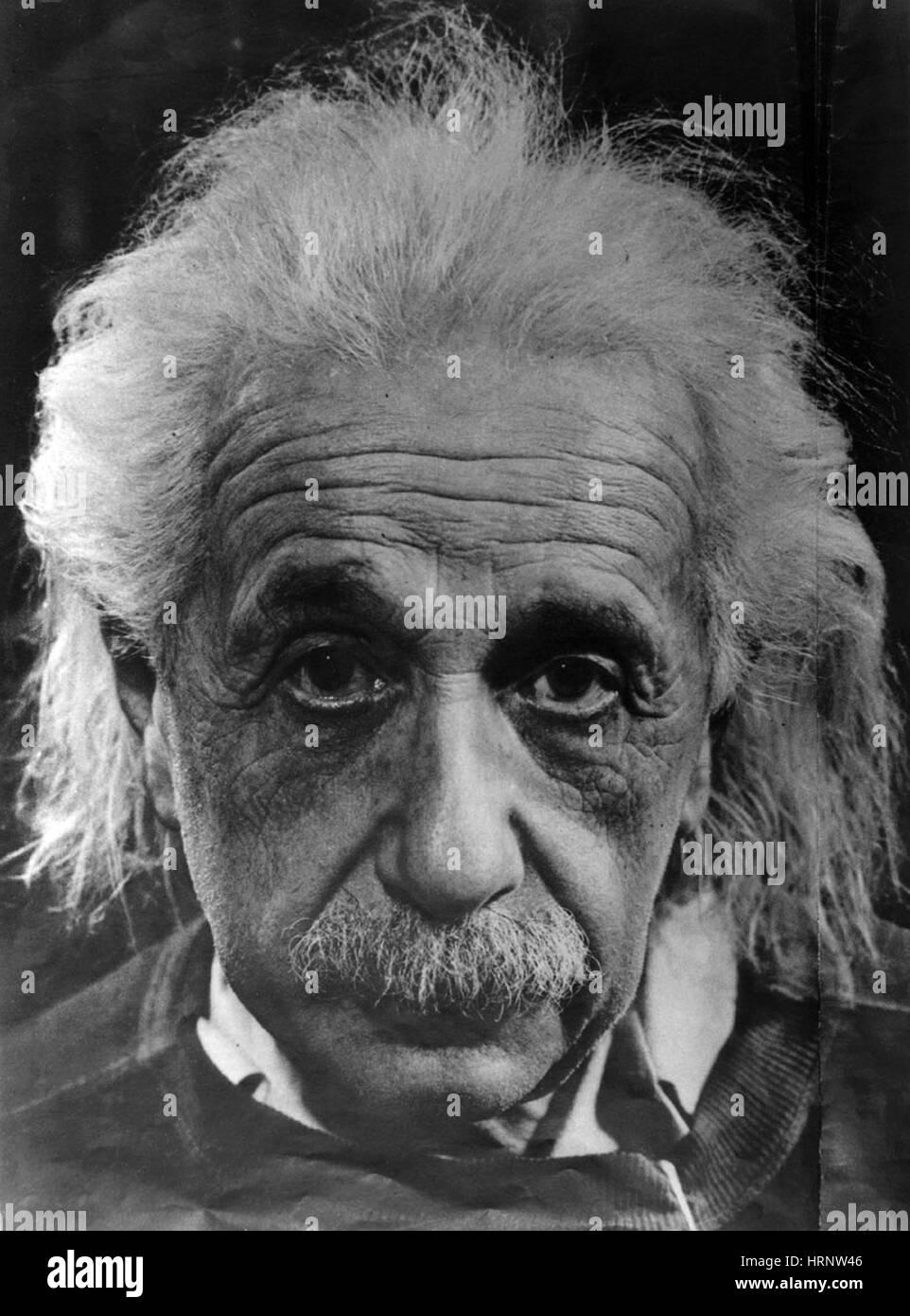 Albert Einstein (14. März 1879 - 18. April 1955) war ein deutschstämmiger theoretischer Physiker. Er entwickelte Stockfoto