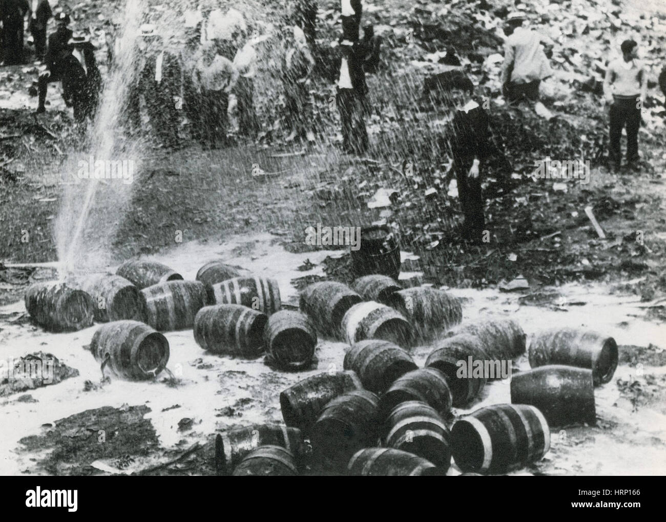 NYC, Verbot, Bootleg Bierfässer, 1931 Stockbild