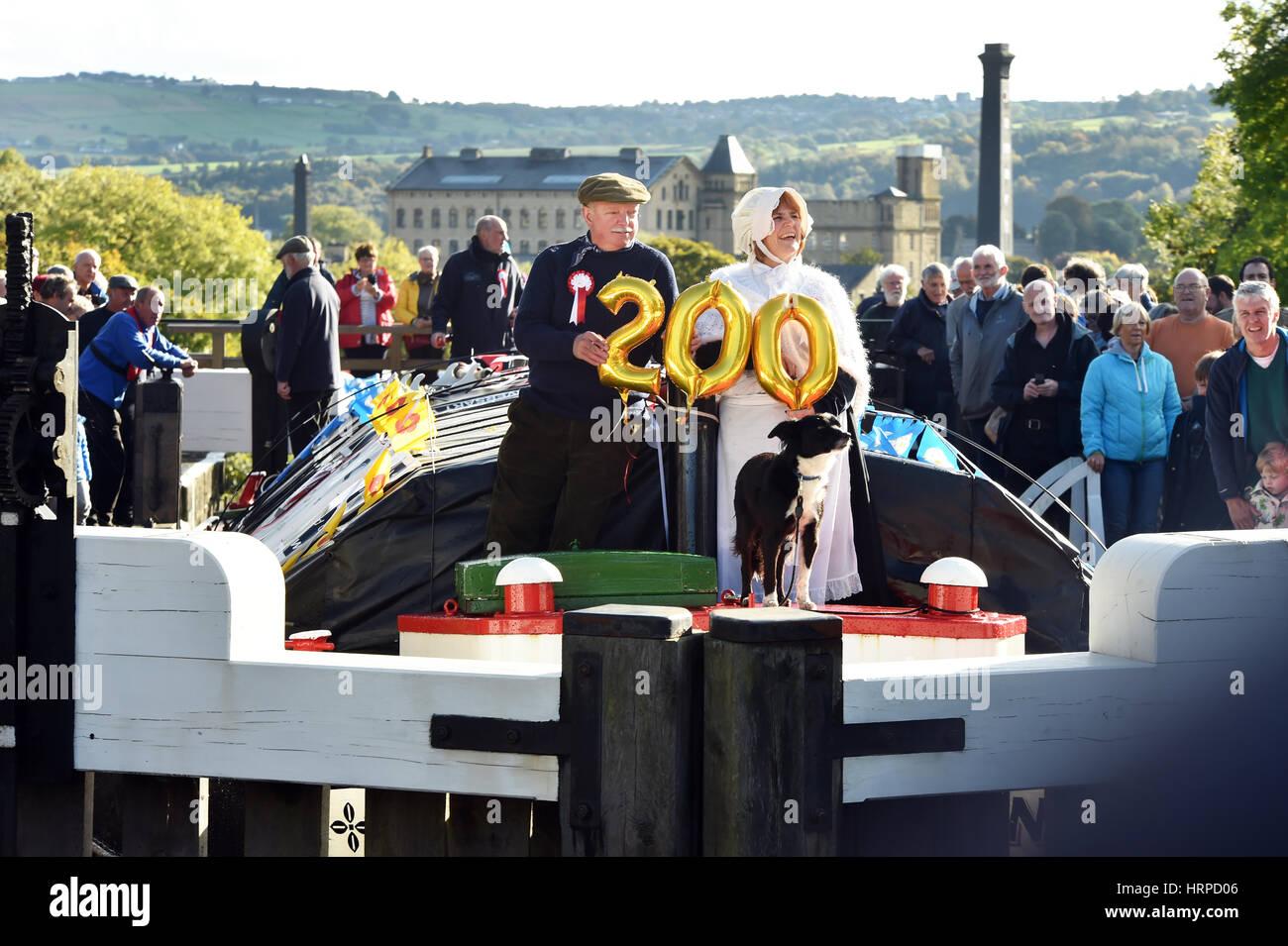 Bingley Kanal Festival, das den berühmten Bingley fünf steigen Schleusen auf der 200 Jahr Jubiläum Stockbild