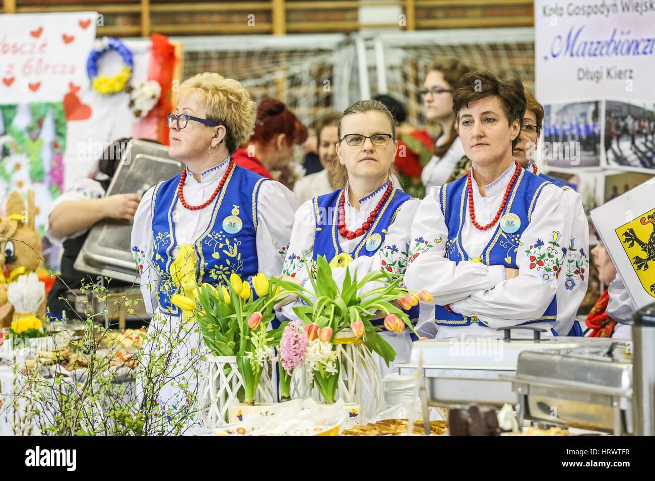 Zukowo, Polen. 4. März 2017. Bauern-Frauen, die Vereinigung von ...